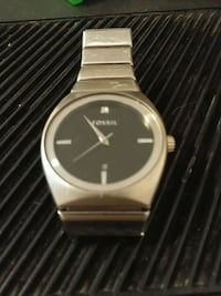 round silver Nixon analog watch with link bracelet Langley, V1M 2C1