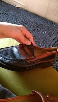 unpaired brown leather slip-on shoe Brooklyn, 11209