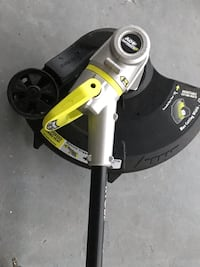 Ryobi weed eater/trimmer 40V latest technology new used several times this last summer  West Vancouver, V7V 1B7