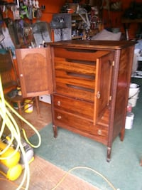 Wooden hutch/cabinet