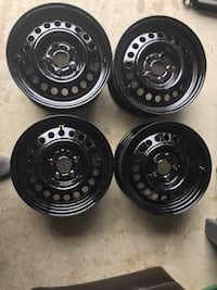 Good for Toyota carols and honda civic and other small car 14 inch rim newlly painted Brampton, L6V 0W2