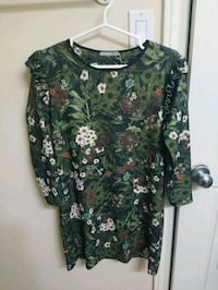 green and white floral scoop neck long sleeve shirt Ottawa