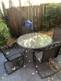 Outdoor patio table w/ 4 chairs & canopy Beaverton, 97003