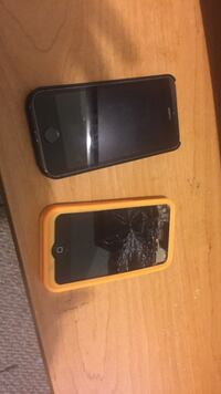 Two iPhones the 5s screen turns blue and 4s screen shattered Saskatoon, S7H