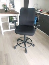 High Top Rolling Office Chair Toronto, M5A 1H7