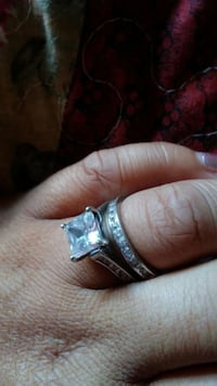 Silver and diamond solitaire ring Fort Washington, 20744