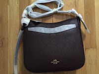 Coach Chaise crossbody in oxblood/gold Toronto, M1L 4H2