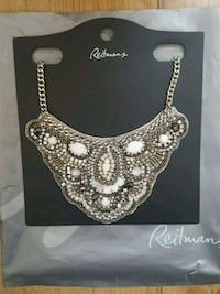 Beautiful Bib Necklace BNWT