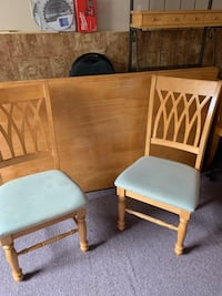 Wooden table with 6 matching chairs  Brantford, N3T 6M5