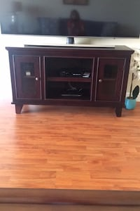 TV Stand bought almost new in 2019 MIAMI