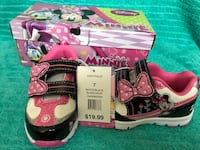 New with tags in box Minnie Mouse running shoes Essa, L0M