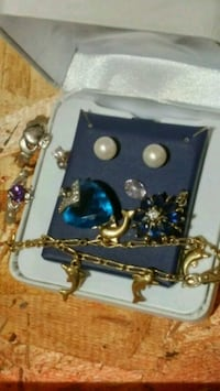 Lots of jewellery taking offers Surrey, V3W 3H3