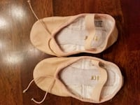 Bloch brand ballet shoes toddler size 9 Guilford