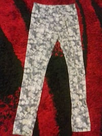 gray and white floral pants Greater London, NW6 5YU