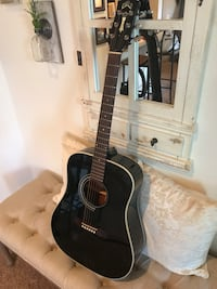 Guild D40 Black Body Guitar  Ridgeland, 39157