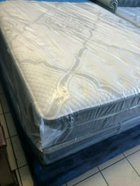 white and gray floral mattress Temple City, 91780