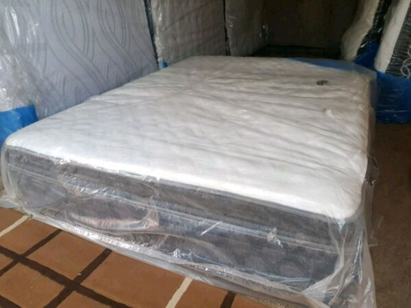 white and gray bed mattress aaf2cd8e-0a1c-4a6d-9ac9-de344f52ff56