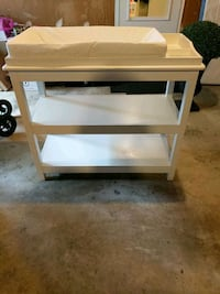 Baby changing table Great Falls, 22066