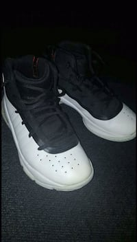 Boys Size 2y Under Armour Curry 4's Pittsburg, 75686