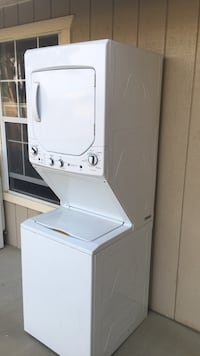 White stackable washer and dryer, only used 4 month. Like new Bakersfield, 93308