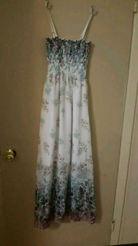 white and green floral sleeveless dress Windsor, N8R
