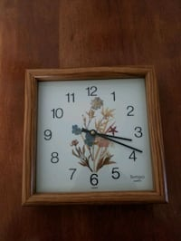 "9""-9"" wood framed clock keeps perfect time"