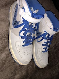 Pair of white-and-blue nike basketball shoes Salinas, 93907