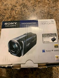 Sd card not included Sony video camera  Aylmer, N5H 2R5
