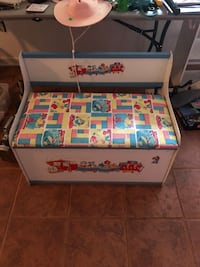 Vintage toy chest-1980s Cary, 27513