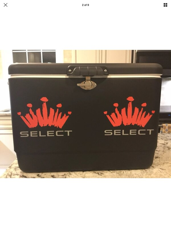 "TRUE TAILGATER ""MUST HAVE"" Rare Brand New Budweiser Select Steel Belted Coleman cooler 54 quarts."