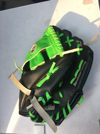 Boys 6-7 yr old glove Old Fort, 28762
