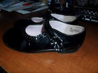Toddler's pair of black leather shoes Chatham, N7M 3V3