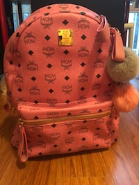 100% authentic MCM medium pink backpack 多伦多, M5S 2Y1