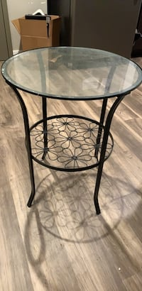 side table St. Louis, 63104