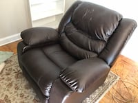Leather Recliner - extra wide Arlington, 22202