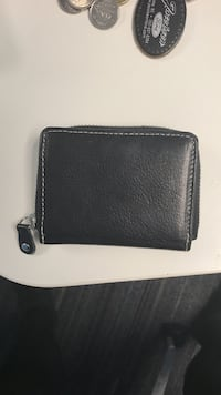Black leather wallet Kelowna, V1X 7H6