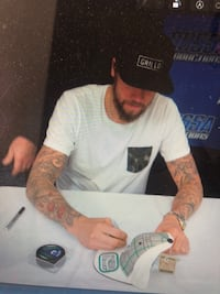 Jacomb Markstrom and barteschi  Autographed cap vancouver canucks autograph with tags and puck