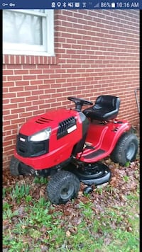 Craftsman LT 2000 lawnmower New Castle, 16101
