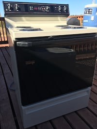 Electric oven--Excellent condition! $75 OBO  Chinle, 86503