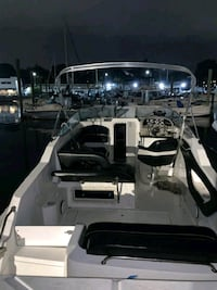 cabin cruiser 2001 24ft boat New Rochelle