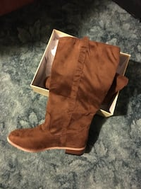 "Brown suede boots size 8 ""New"" Hibbing, 55746"