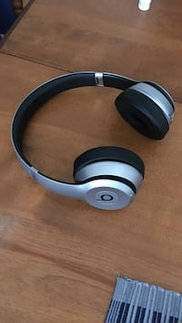 Gray beats by dr. dre solo wireless headphones Dorval, H9S