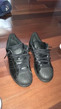 Adidas men's superstars Brampton, L7A 1R1