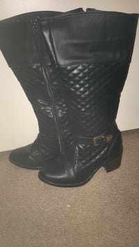 Pair of black leather cowboy boots Martinsburg, 25403