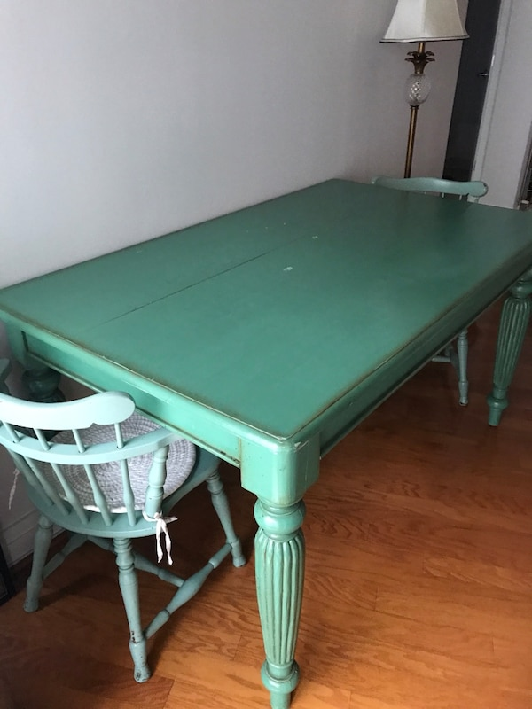 Dining Table 680e7260-b821-4f38-a115-dbcd35f2bad4