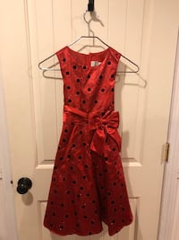 Sparkly, festive and fun party dress with satin bow. Girls size 10 Chester, 03036