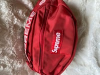 SS18 Supreme Fanny Pack(Red)(Like New)