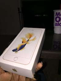 Gold iPhone 6s Plus 16 GB box Acworth, 30144