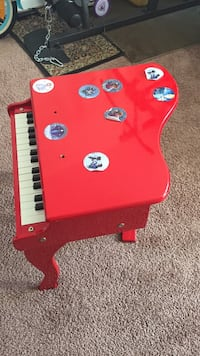 Toy piano  Ashburn, 20148