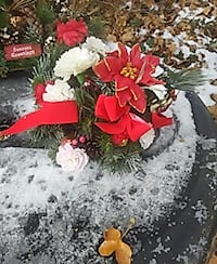 Christmas decor flower arrangement Glen Burnie, 21061